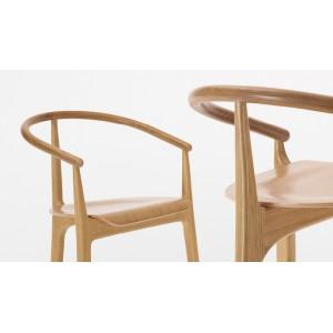 Koka krēsls uz trīs kājām B-2940 EVO