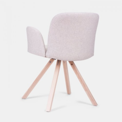 Krēsls ar roku balstiem APRIL 2