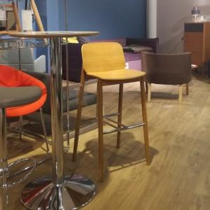 Bāra krēsls Prop H-4390 no ekspozīcijas